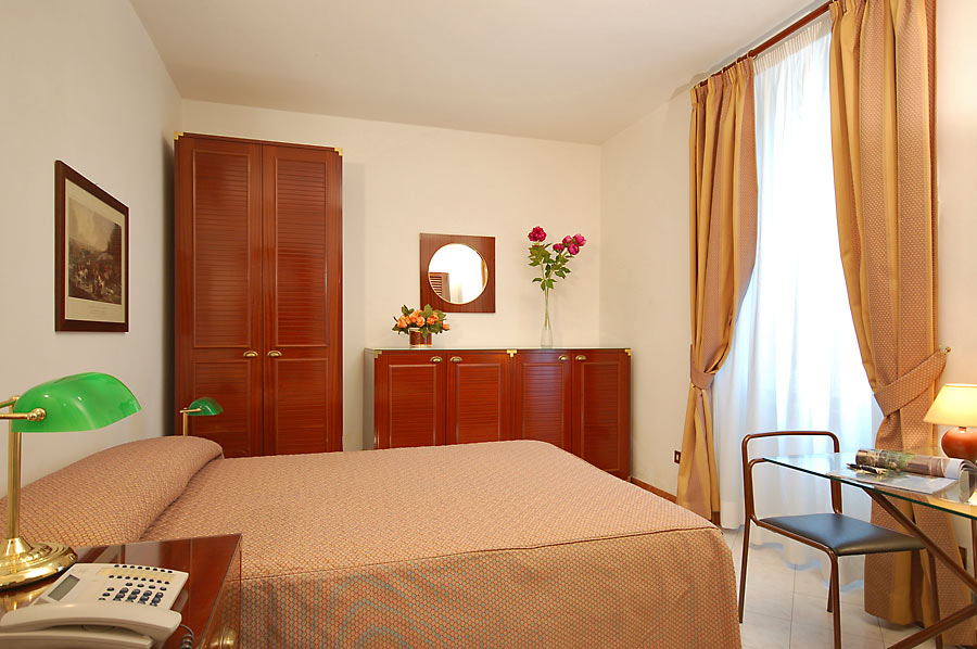 Our studio apartments have a double bed, a kitchen and a bathroom