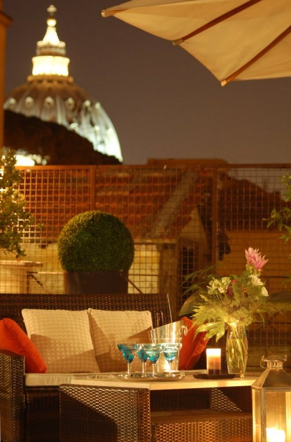Aperitivo on our roof garden. Hotel residence Vatican Suites, official web site